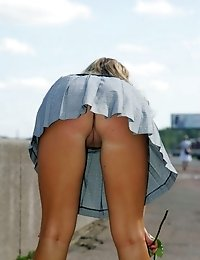 Cute bimbos slits willingly demonstrated from behind