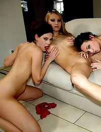 Gorgeous lesbian hoties love licking each other