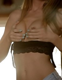 Watch Blonde Beauty Alison Faye Rev Herself Up And Take Herself Over The Edge With Her Magic Fingers