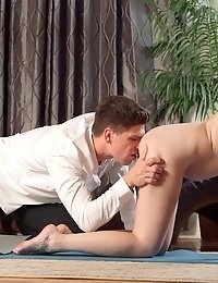 Horny Brunette Paris Lincoln Finishes Her Workout Routine With A Wet Wild Blowjob And A Stiffie Ride