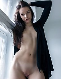 She Shows Off Her Beautiful Curves With Great Ease In Her Amazing Solo Set, As She Strips Her Clothe