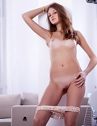 A Lovely Teen Babe With A Sexy Slim Body, Brown Hair And A Cute Face Gives You A Stirring Naked Teas
