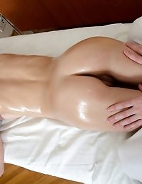 18 Year Old Sheyla Shows Why The Young Ones Are Always The Most Popular