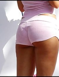 Pussy looks great under hot shorts