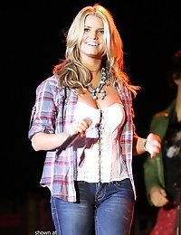Cameltoe of Hollywood bimbo Jessica Simpson