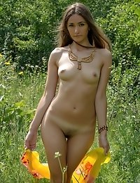 Shapely Cutie Strips Off Everything To Show A Piece Of Those Incredible Curves To You In Its Shining