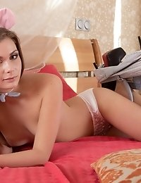 Gorgeous Brunette Beauty Splits Her Legs On The Beach, Where She Shows What An Amazing Juicy Pussy S